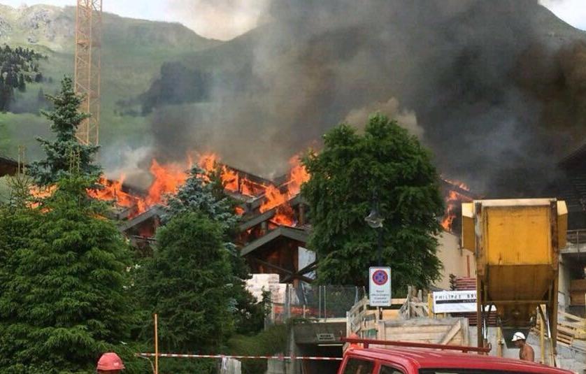 Centre sportif en flamme